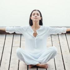 Одежда для йоги белая