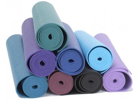 Как выбрать йога коврик из натуральной резины